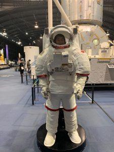 宇宙服で撮影
